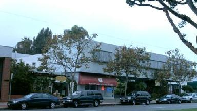 Dutton's Brentwood Bookstore - Los Angeles, CA