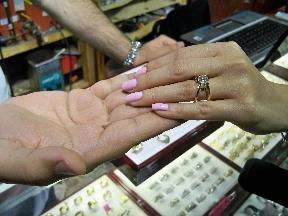 Kobe Jewelry Buyer/Seller and Custom Diamond Ring Maker