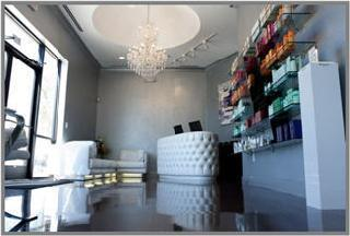 Von Anthony Salon