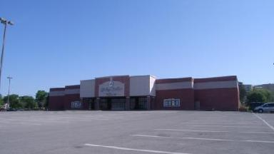 Carmike Hickory Nc >> Carmike Hickory Point 12 (Forsyth, IL) and Nearby Movie Theaters Images - Frompo