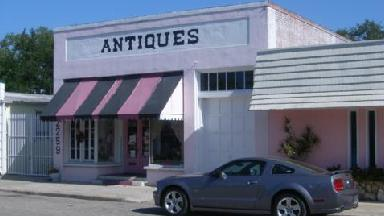 Fancy Flamingo Antiques - Homestead Business Directory