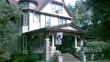 Under The Ginkgo Tree B & B - Homestead Business Directory