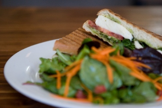 Vees Cafe - Homestead Business Directory