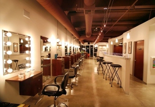 A' La Mode Hair Studio - Glendale, CA