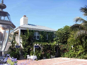 Caribbean Court Boutique Hotel - Vero Beach, FL