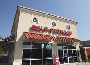 West Cantrell Self Storage - Little Rock, AR