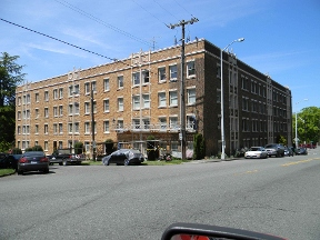 Meadowbrook Apartments and Townhomes - Seattle, WA