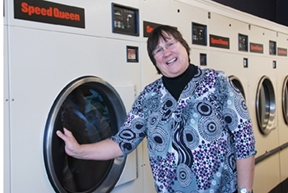 Dee's Cleaners & Laundromat - Bristol, CT