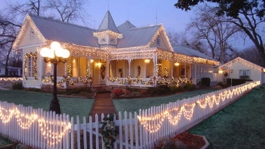 Absolute Charm Bed and Breakfast Reservation Service - Fredericksburg, TX