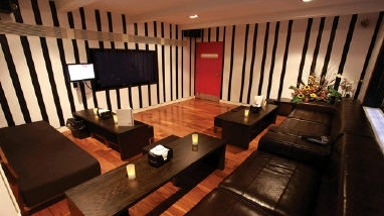 Zebra Lounge & Sports Bar