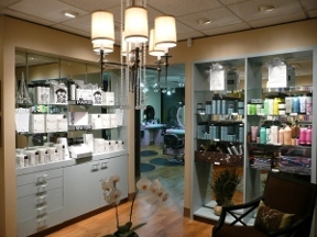 Au Courant Hair Design INC - Mercer Island, WA