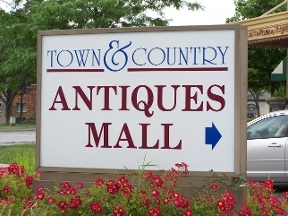 Town & Country Antiques Mall - Livonia, MI