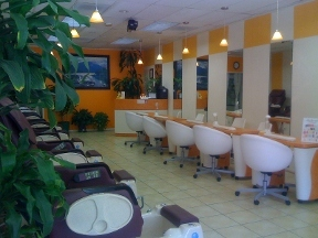 Glamour Nails - Studio City, CA