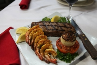 Luna Del Sea Steak & Seafood Bistro