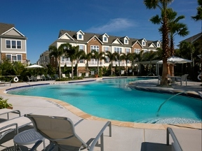 Lodge at LakeCrest Luxury Apartments - Tampa, FL