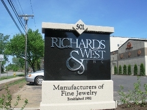 Richards &amp; West INC