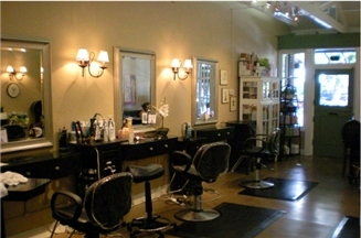 Elle Et Lui Salon &amp; Boutique