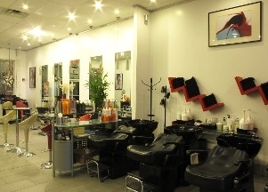 Q Hair Studio
