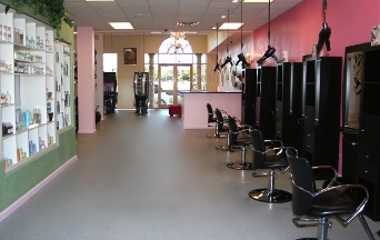 E Geovanni Salon