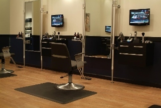 Studio 104 in naperville il 60564 citysearch for 95th street salon
