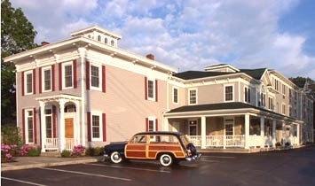 Best Western-Lawnfield Inn