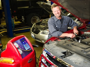 Gages Lake Auto & Light Truck Repair - Grayslake, IL