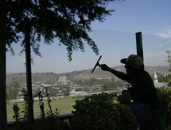 A Touch of Glass Cleaning Service - Bakersfield, CA