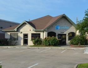 Claws & Paws Veterinary Hosp - Pearland, TX