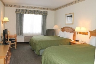 Country Inn & Suites Dundee - Dundee, MI