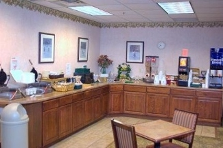 Country Inn & Suites Dakota Dunes - North Sioux City, SD