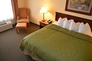 Country Inn & Suites Marquette - Marquette, MI