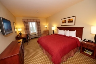 Country Inn & Suites Manchester Airport - Bedford, NH