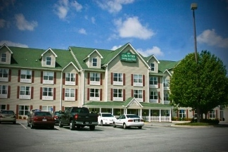 Country Inn & Suites Hiram - Hiram, GA