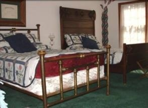 Heart Wood Place Bed & Breakfast and Day Spa - Adrian, MI
