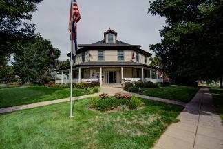 Currier Inn Bed & Breakfast