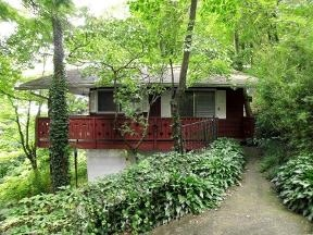 Asheville swiss chalets in asheville nc 28805 citysearch for Asheville cabin rentals pet friendly