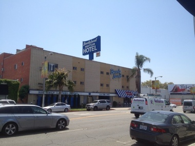 Kimpton the hotel wilshire in los angeles ca 90048 for Beverly laurel motor hotel bed bugs