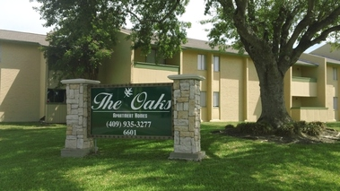 Oaks Apartments - Texas City, TX