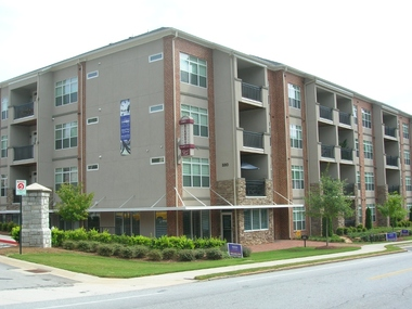 Gladstone Apartments Atlanta Ga