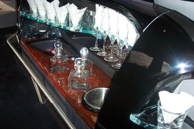Royal Carriages Limousine Inc - Houston, TX