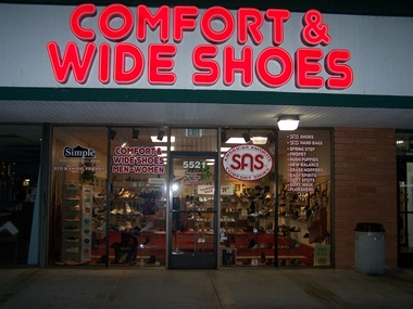 Comfort Wide Shoes - San Diego, CA