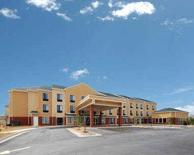 Comfort Inn & Suites - North Vernon, IN