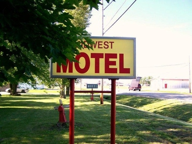 Midwest Motel - Forrest, IL