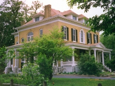 BEALL MANSION An Elegant Bed & Breakfast Inn - Alton, IL