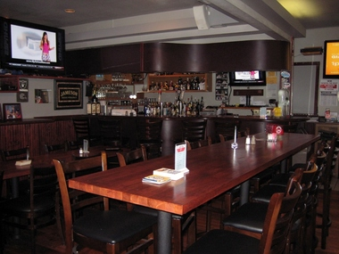 Grand Oaks Restaurant & Sports Lounge - Oakland, CA