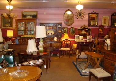 Antiques At R Spencer's - Portland, OR