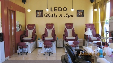 Ledo's Nails - Edmonds, WA