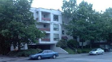 Sandhurst Apartments - Seattle, WA