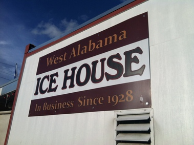 West Alabama Ice House - Houston, TX