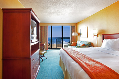 Holiday Inn Express & Suites Virginia Beach Oceanfront - Virginia Beach, VA
